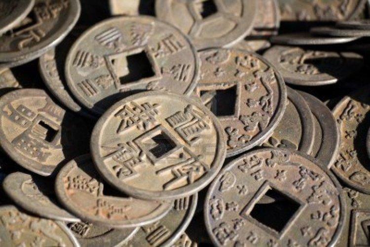 Antique Bronze Cash.  SourceL Wikimedia.