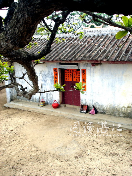 The historic Tin Hua (Mazu) Temple is Xuwen County, Guangdong.