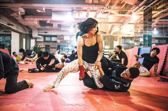 Brazilian Jiu Jitsu at the King Club in Beijing.  Source: