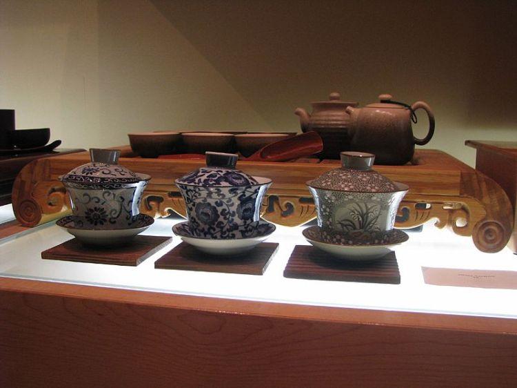 Chinese tea set.  Source: Wikimedia.