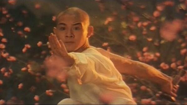 A still of Jet Li from Shaolin Temple.