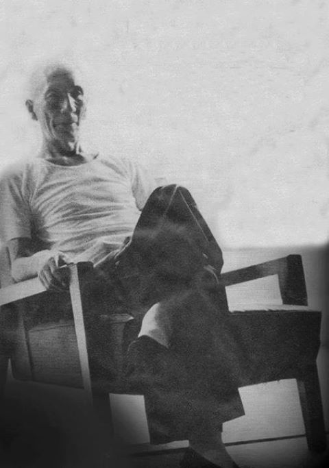 Ip Man relaxing in his apartment.  Source: Ip Ching's collection.