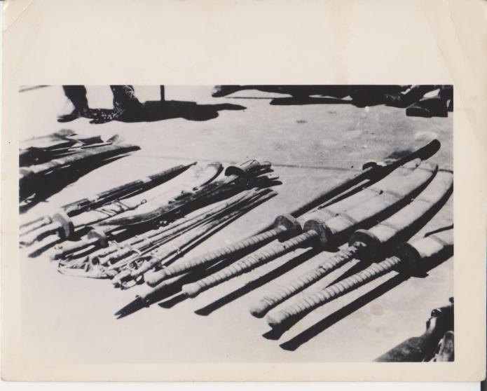 A rare period snap shot showing Chinese swords captured by Japanese during WWII.  Source: Author's personal collection.