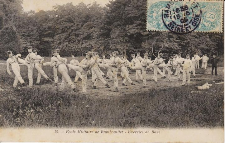 A vintage French Postcard. Source: Author's Personal Collection.