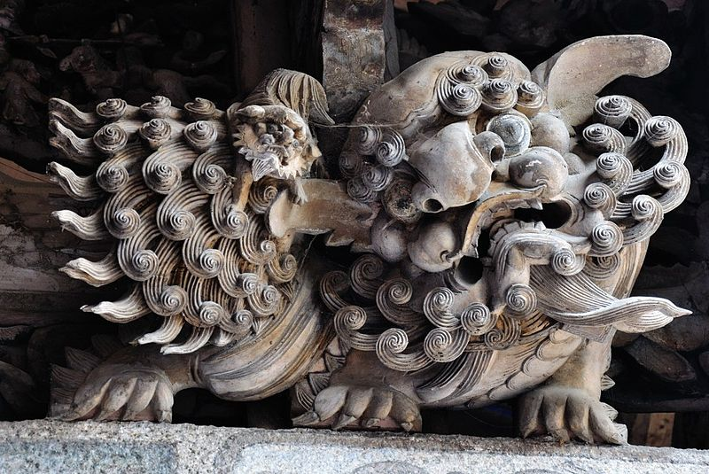 Another example of traditional woodcarving in Cháozhōu.  Kulp has a section in his book where he discusses thee regional tradition of this sort of carving.  Photo by polar1.  Source: Wikimedia (CC).
