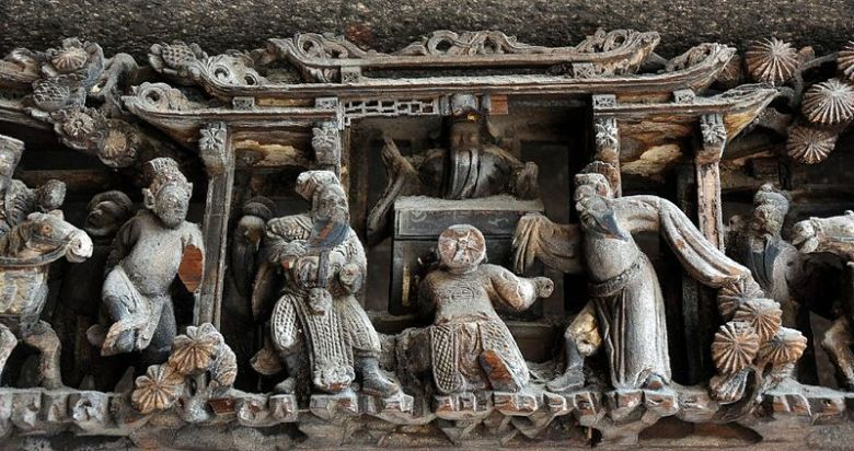 Woodcarvings found in Cháozhōu, the closest city to Phoenix Village