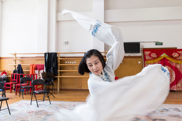 Zhang Huoding rehearsing in Beijing. Source: New York Times.