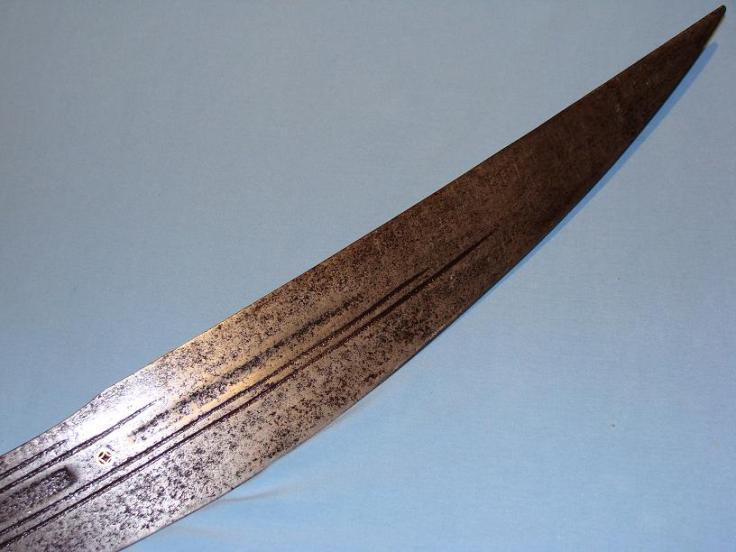 http://www.swordsantiqueweapons.com/s205_full.html
