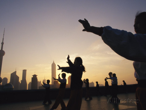 tai-chi-on-the-bund-in-the-morning-with-pudong-in-the-background