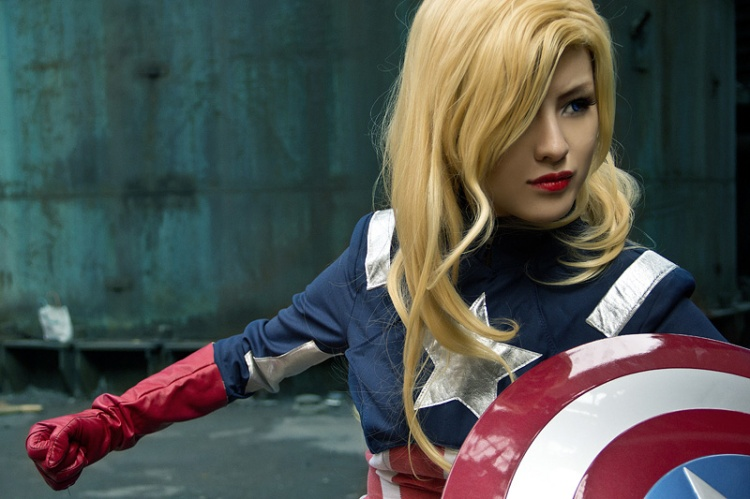 Captain America Cosplay by Hinosherloki.  Source: geektyrant.com