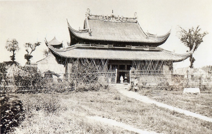 Jiang'an Temple in Shanghai, late 19th century.  Source: