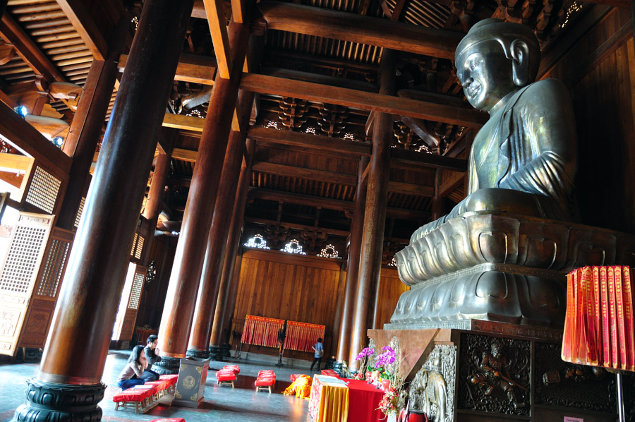 The bronze Buddha of the Jing'an temple, Shanghai.