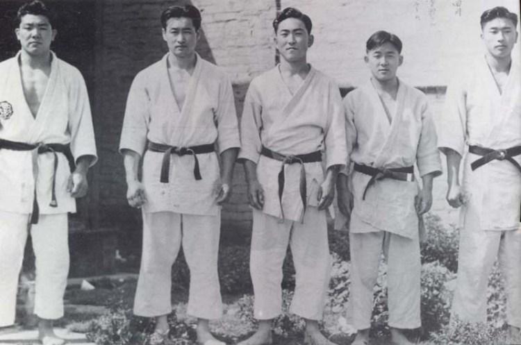 Rafu Dojo team at the Southern California Judo Tournament, April 1940. Collection of Yukio Nakamura.  Source: http://www.discovernikkei.org/en/journal/2014/5/2/more-than-a-game-2